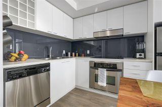 Photo 3: 2109 131 REGIMENT Square in Vancouver: Downtown VW Condo for sale (Vancouver West)  : MLS®# R2315271