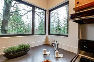 "Photo 9: 2233 E 12TH Avenue in Vancouver: Grandview VE House for sale in ""Commercial Drive"" (Vancouver East)  : MLS®# R2323925"