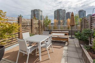 "Main Photo: 804 33 W PENDER Street in Vancouver: Downtown VW Condo for sale in ""33 LIVING"" (Vancouver West)  : MLS®# R2333860"