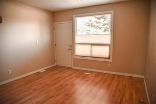 Photo 3: 2916 36 Street NW in Edmonton: Zone 29 Townhouse for sale : MLS®# E4145043