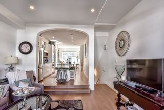 Photo 3: 51 288 171 Street in Surrey: Pacific Douglas Townhouse for sale (South Surrey White Rock)  : MLS®# R2357620