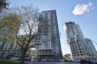 "Main Photo: 2307 5515 BOUNDARY Road in Vancouver: Collingwood VE Condo for sale in ""WALL CENTER CENTRAL PARK (NORTH)"" (Vancouver East)  : MLS®# R2370539"