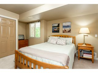 """Photo 16: 9773 208 Street in Langley: Walnut Grove House for sale in """"Yeomans - Walnut Grove"""" : MLS®# R2376446"""