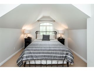 """Photo 13: 9773 208 Street in Langley: Walnut Grove House for sale in """"Yeomans - Walnut Grove"""" : MLS®# R2376446"""