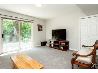 """Photo 14: 9773 208 Street in Langley: Walnut Grove House for sale in """"Yeomans - Walnut Grove"""" : MLS®# R2376446"""