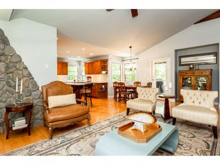"""Photo 5: 9773 208 Street in Langley: Walnut Grove House for sale in """"Yeomans - Walnut Grove"""" : MLS®# R2376446"""