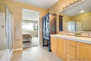 Photo 16: OCEANSIDE House for sale : 4 bedrooms : 913 Glendora Drive