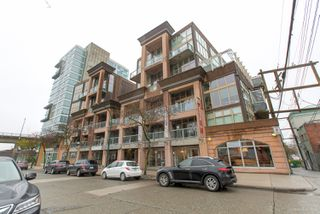 "Photo 3: 413 1529 W 6TH Avenue in Vancouver: False Creek Condo for sale in ""WSIX - South Granville Lofts"" (Vancouver West)  : MLS®# R2435033"