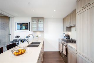 Photo 6: 610 5665 BOUNDARY ROAD in Vancouver: Collingwood VE Condo for sale (Vancouver East)  : MLS®# R2454965
