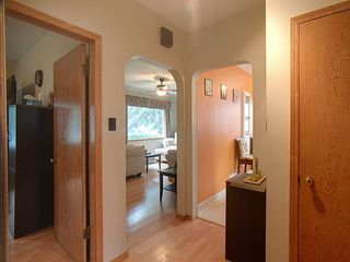 Photo 8: 8727 89 Avenue in Edmonton: Zone 18 House for sale : MLS®# E4205721