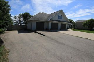 Photo 2: 77 6th Avenue in Carman: RM of Dufferin Residential for sale (R39 - R39)  : MLS®# 202025668