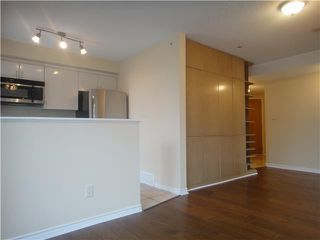 """Photo 2: 3304 939 HOMER Street in Vancouver: Downtown VW Condo for sale in """"PINNACLE"""" (Vancouver West)  : MLS®# V875476"""