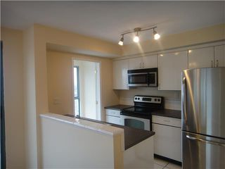 """Photo 3: 3304 939 HOMER Street in Vancouver: Downtown VW Condo for sale in """"PINNACLE"""" (Vancouver West)  : MLS®# V875476"""