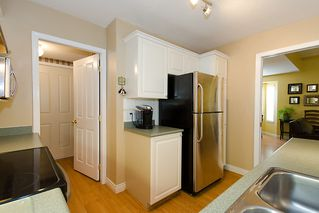"Photo 11: 40 8675 WALNUT GROVE Drive in Langley: Walnut Grove Townhouse for sale in ""CEDAR CREEK"" : MLS®# F1110268"