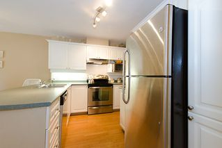 "Photo 12: 40 8675 WALNUT GROVE Drive in Langley: Walnut Grove Townhouse for sale in ""CEDAR CREEK"" : MLS®# F1110268"