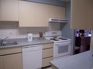 """Photo 6: 503 2165 ARGYLE Avenue in West Vancouver: Dundarave Condo for sale in """"Ocean Terrace"""" : MLS®# V919229"""