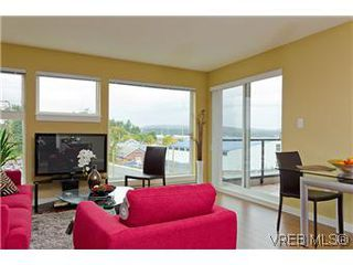 Photo 5: 103 1405 Esquimalt Road in VICTORIA: Es Saxe Point Townhouse for sale (Esquimalt)  : MLS®# 301002