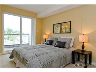 Photo 7: 103 1405 Esquimalt Road in VICTORIA: Es Saxe Point Townhouse for sale (Esquimalt)  : MLS®# 301002