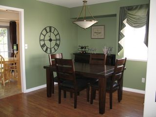 Photo 3: 867 Regent Crescent in Kamloops: House for sale : MLS®# MLS 111000