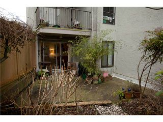 Photo 9: 105 808 E 8TH Avenue in Vancouver: Mount Pleasant VE Condo for sale (Vancouver East)  : MLS®# V991438