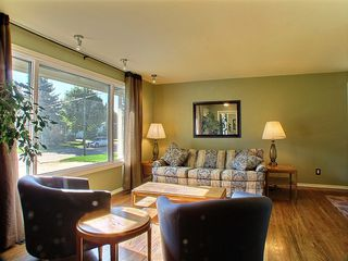 Photo 2: 24 Ericsson Bay in Winnipeg: Westwood / Crestview Residential for sale (West Winnipeg)  : MLS®# 1317437