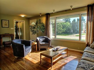Photo 3: 24 Ericsson Bay in Winnipeg: Westwood / Crestview Residential for sale (West Winnipeg)  : MLS®# 1317437