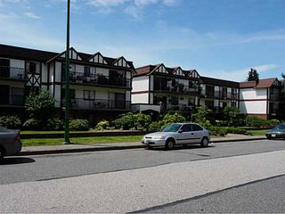 "Photo 14: 106 131 W 4TH Street in North Vancouver: Lower Lonsdale Condo for sale in ""NOTTINGHAM PLACE"" : MLS®# V1069203"