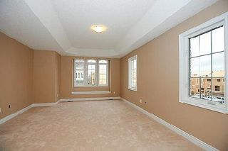 Photo 2: 9 Manila Avenue in Markham: Berczy House (2-Storey) for sale : MLS®# N3047607