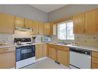 Photo 10: 75 LINCOLN Manor SW in Calgary: Lincoln Park House for sale : MLS®# C3654856