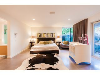 "Photo 9: 4241 ROCKRIDGE Crescent in West Vancouver: Rockridge House for sale in ""ROCKRIDGE"" : MLS®# V1107804"