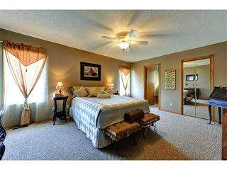 Photo 13: 48 RIVERVIEW Close SE in Calgary: Riverbend House for sale : MLS®# C4019048