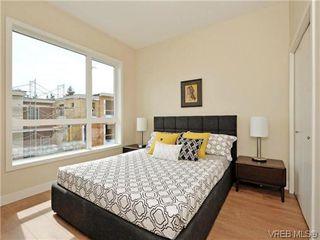 Photo 13: 3 1060 Tillicum Rd in VICTORIA: Es Kinsmen Park Row/Townhouse for sale (Esquimalt)  : MLS®# 714740