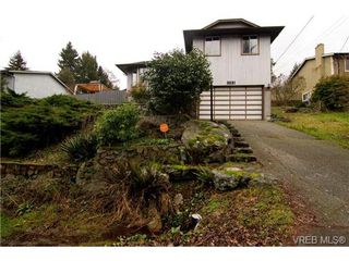 Photo 1: 3251 Jacklin Rd in VICTORIA: Co Triangle Single Family Detached for sale (Colwood)  : MLS®# 720346
