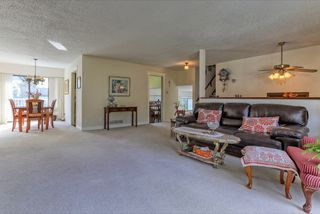 Photo 3: 2472 LEDUC Avenue in Coquitlam: Central Coquitlam House for sale : MLS®# R2037999