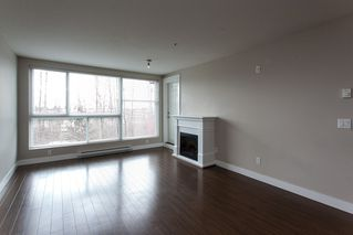 "Photo 5: 305 12075 228 Street in Maple Ridge: East Central Condo for sale in ""RIO"" : MLS®# R2045401"