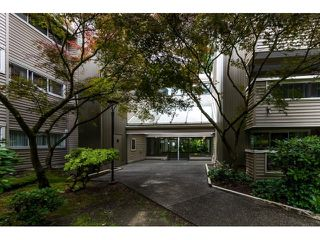 "Photo 3: 214 932 ROBINSON Street in Coquitlam: Coquitlam West Condo for sale in ""THE SHAUGHNESSY"" : MLS®# R2073443"