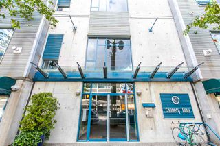 "Photo 2: 420 2001 WALL Street in Vancouver: Hastings Condo for sale in ""CANNERY ROW"" (Vancouver East)  : MLS®# R2081753"