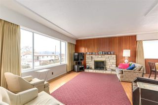 Photo 2: 4550 REID Street in Vancouver: Collingwood VE House for sale (Vancouver East)  : MLS®# R2143983