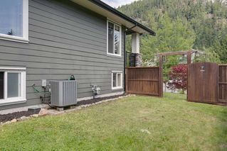 "Photo 20: 41707 HONEY Lane in Squamish: Brackendale House 1/2 Duplex for sale in ""Honey Lane"" : MLS®# R2176526"