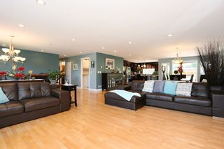 Photo 4: 1602 EASTERN Drive in Port Coquitlam: Mary Hill House for sale : MLS®# R2189431