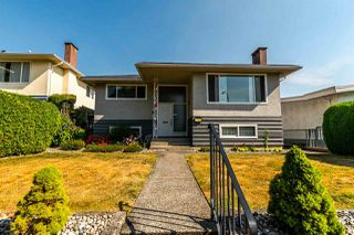 Photo 1: 2705 E 57TH Avenue in Vancouver: Fraserview VE House for sale (Vancouver East)  : MLS®# R2189615
