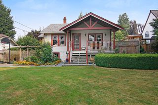 Photo 1: 33889 ELM Street in Abbotsford: Central Abbotsford House for sale : MLS®# R2196458