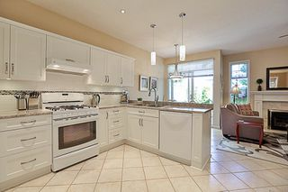 """Photo 8: 67 2533 152 Street in Surrey: Sunnyside Park Surrey Townhouse for sale in """"Bishops Green"""" (South Surrey White Rock)  : MLS®# R2201246"""