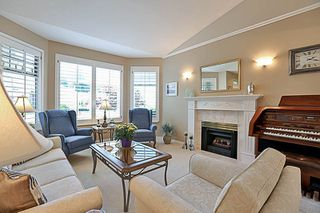 """Photo 5: 67 2533 152 Street in Surrey: Sunnyside Park Surrey Townhouse for sale in """"Bishops Green"""" (South Surrey White Rock)  : MLS®# R2201246"""