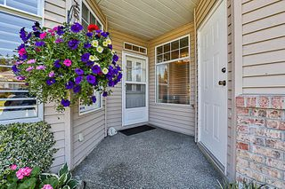 """Photo 3: 67 2533 152 Street in Surrey: Sunnyside Park Surrey Townhouse for sale in """"Bishops Green"""" (South Surrey White Rock)  : MLS®# R2201246"""