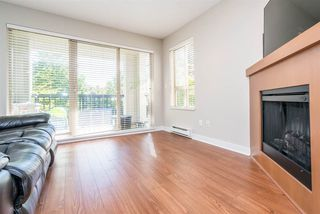 "Photo 3: 210 8915 202 Street in Langley: Walnut Grove Condo for sale in ""Hawthorne"" : MLS®# R2209221"