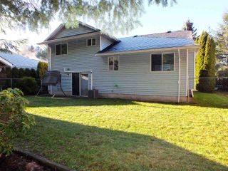Photo 3: 21464 RICHMOND Drive in Hope: Hope Kawkawa Lake House for sale : MLS®# R2225565