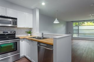 "Photo 4: 107 2575 W 4TH Avenue in Vancouver: Kitsilano Condo for sale in ""SEAGATE"" (Vancouver West)  : MLS®# R2226582"