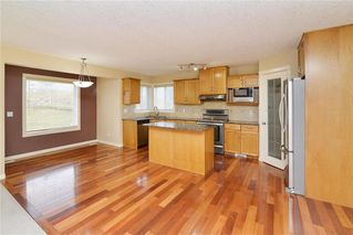 Photo 6: 220 COVEMEADOW Court NE in Calgary: Coventry Hills House for sale : MLS®# C4160697