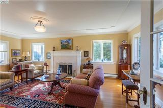 Photo 4: 637 Beach Dr in VICTORIA: OB South Oak Bay House for sale (Oak Bay)  : MLS®# 781017